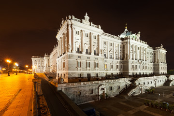 Night side view of Royal Palace