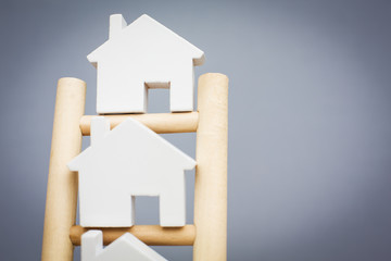 7 Steps To Take Before You Buy a Home