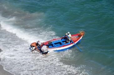 Pescadores en el mar