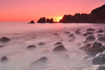 Deniz kenarında uzun poz ve gün batımı
