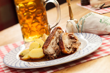 pork with potatoes and beer