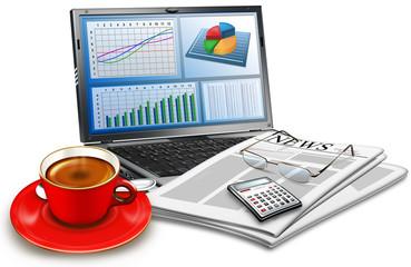 Laptop mit Zeitschrift, Brille, Kaffeetasse, Taschenrechner