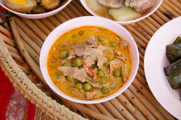 Dried red pork coconut curry