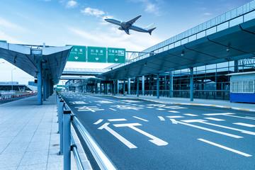 Photo sur Toile Aeroport Shanghai Pudong Airport road