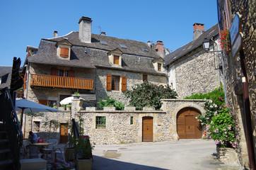サン・トゥーラリー・ドルト Sainte-Eulalie-d'Olt