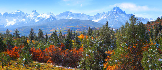 Panoramic view of Rocky mountains Wall mural