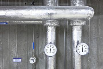 Wassertemperatur  zwei analoge Anzeigen