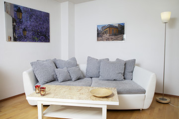 Designer Sofa mit Tisch