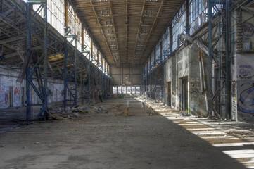 Wall Mural - Verlassene Industriehalle