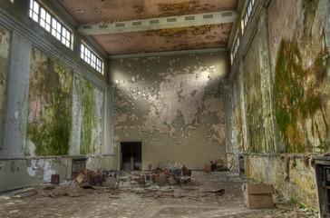 Wall Mural - Alter verlassener Saal