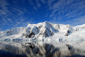 Fototapete - striking polar landscape