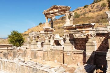 Efeze, tempel van Hadrianus