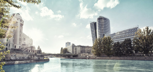 Photo sur Toile Vienne Danube Canal of Vienna - Austria