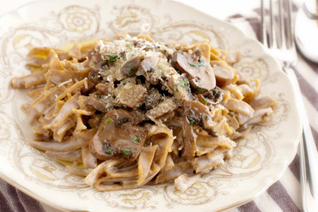 Pasta -  Integrals tagliatelle with mushrooms