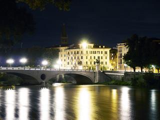 Verona,panorama notturno