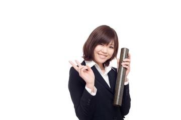 卒業を喜ぶ女性