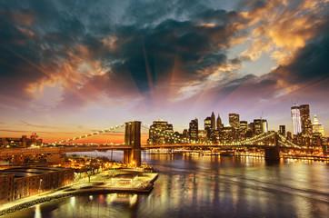 Wall Mural - New York City - Manhattan skyline at winter sunset