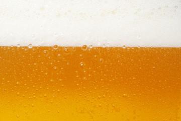 泡だつビール