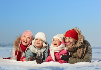 Wall Mural - Family on snow