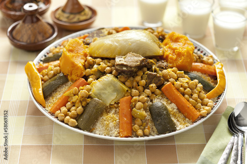 Wall mural Moroccan couscous dish