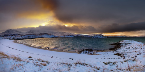 Wall Mural - Arctic sunrise in Sommarøy bay.Northern Norway.