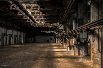 Foto auf Leinwand Industriegebaude Large industrial hall of a repair station