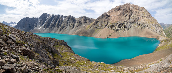 Fototapete - Panoramic view of Ala-Kul lake in Kyrgyzstan