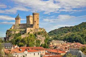 Papiers peints Chateau Foix castle dominating the city