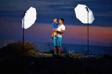 behind the scene, shooting outdoor portraits with flash lights