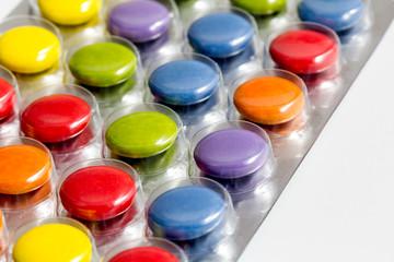 Farbige Tabletten im Detail
