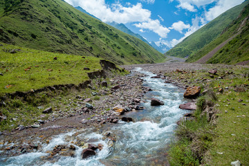 Fototapete - Kegety river in mountains of Tien Shan