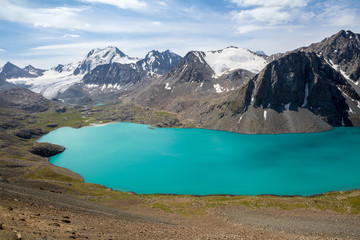 Fototapete - Mountain lake in Kyrgyzstan