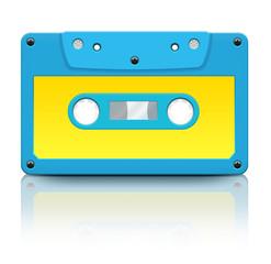 Голубая кассета на белом фоне