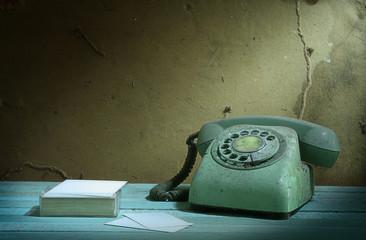 Retro telephone and card