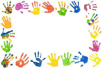 Rahmen aus bunten Kinderhänden