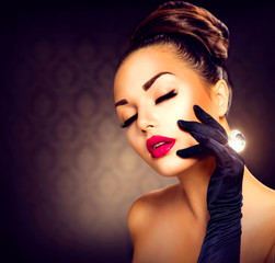 Wall Mural - Beauty Fashion Glamour Girl Portrait. Vintage Style Girl