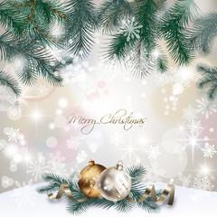 Carte de Noël : branches de sapin, boules, neige, bokeh