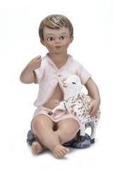 Imagen del niño Jesús aislada sobre fondo blanco