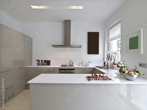 Cucina Con Piano Di Lavoro Interattivo Touch Screen Prisma Toncelli ...