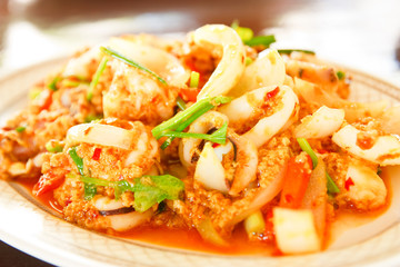 seafood with curry powder .