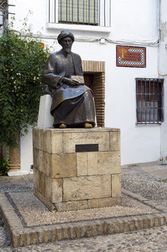 Statue of Maimonides in Cordoba, Spain.