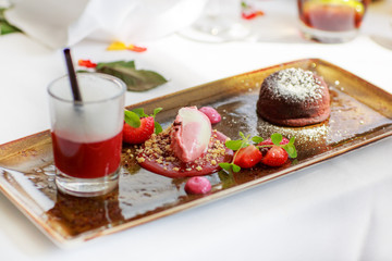 Triple dessert with chocolate and strawberry on wedding table se