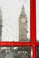 Fototapete - Big ben and red phone cabine. Rainy day