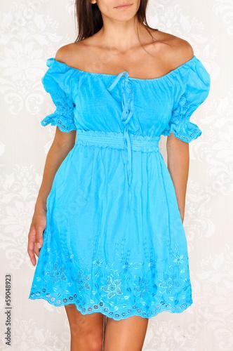 Летнее платья с рукавами фонариками