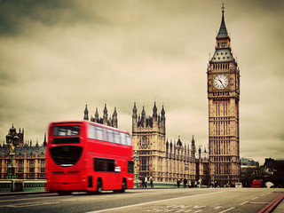 Papiers peints Rouge, noir, blanc London, the UK. Red bus in motion and Big Ben