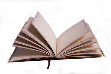 Открытая книга на белом фоне