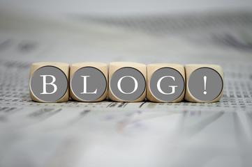 Würfel in Grau mit Blog