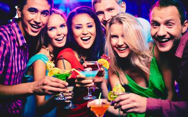 Obraz Friends having fun - fototapety do salonu