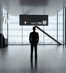 Fototapete - man in airport