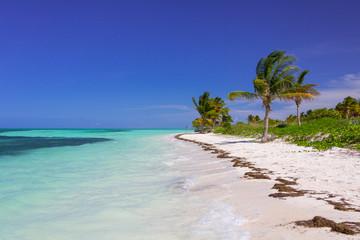 Sandstrand Karibik in Kuba